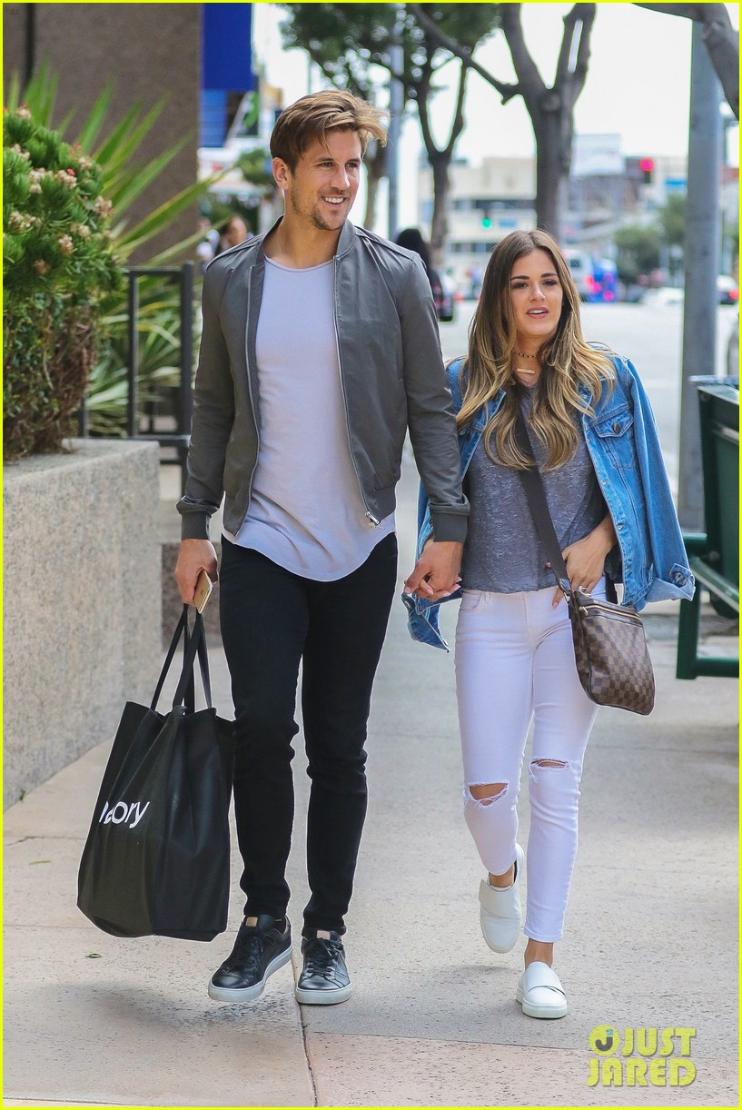 story jojo fletcher jordan rodgers wedding venue hold