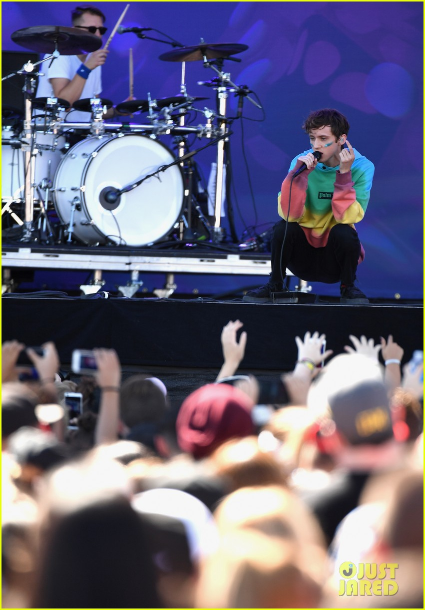 shades of purchase cheap discount sale Hailee Steinfeld & Troye Sivan Open Up iHeartRadio Music ...