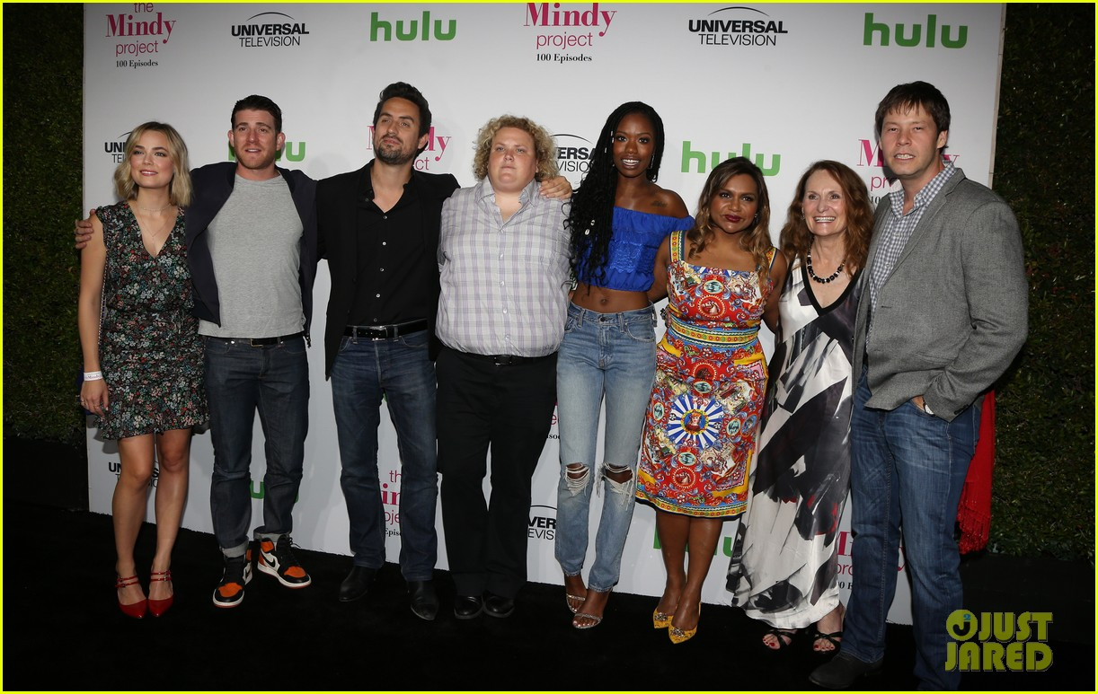 mindy kaling celebrates 100 episodes of the mindy project 273755067