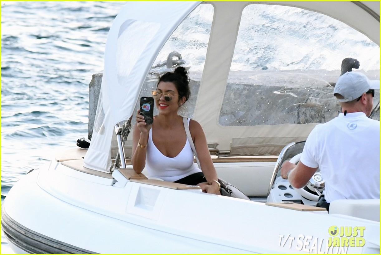 kourtney kardashian kris jenner capri vacation 263749596
