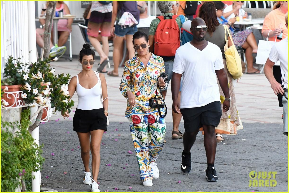 kourtney kardashian kris jenner capri vacation 293749599