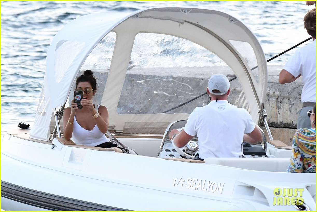 kourtney kardashian kris jenner capri vacation 323749602