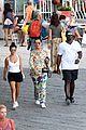 kourtney kardashian kris jenner capri vacation 17