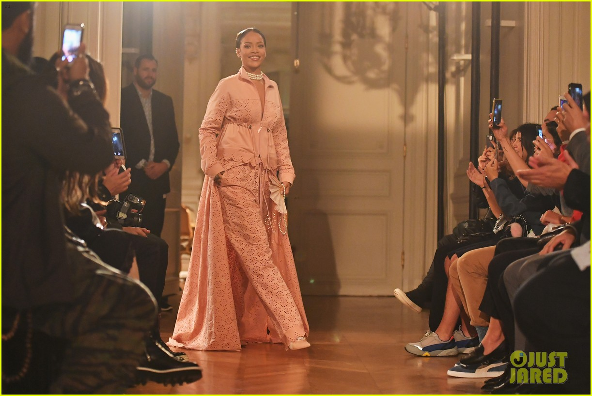 the latest 0710a f9c28 Rihanna Brings Her 'Fenty x Puma' Line to the Paris Runway ...