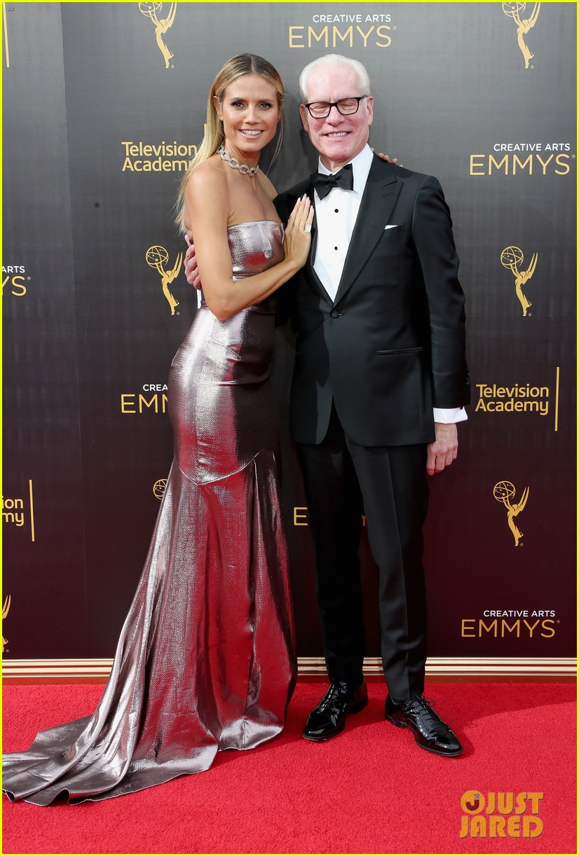 rupaul wins first emmy for hosting drag race 013756726