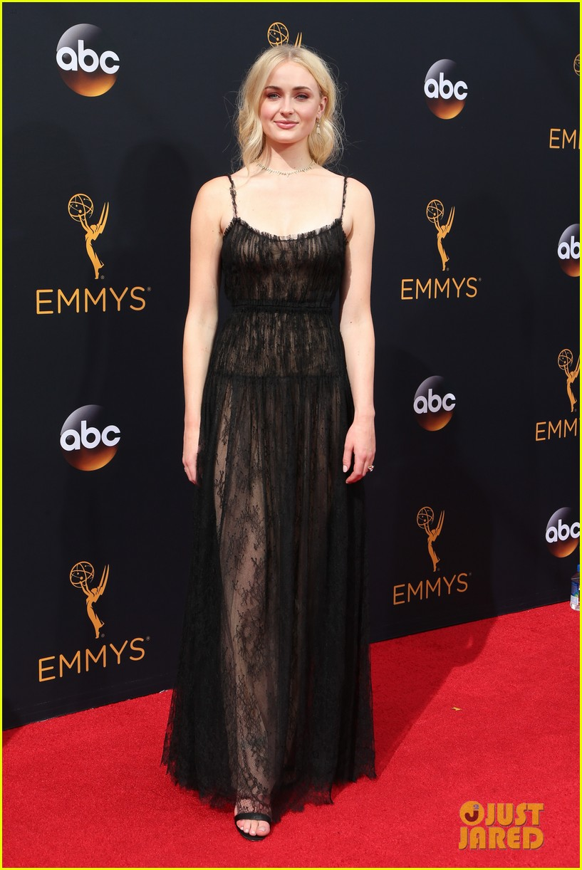 Sophie Turner Goes For A Lacy Look At Emmy Awards 2016