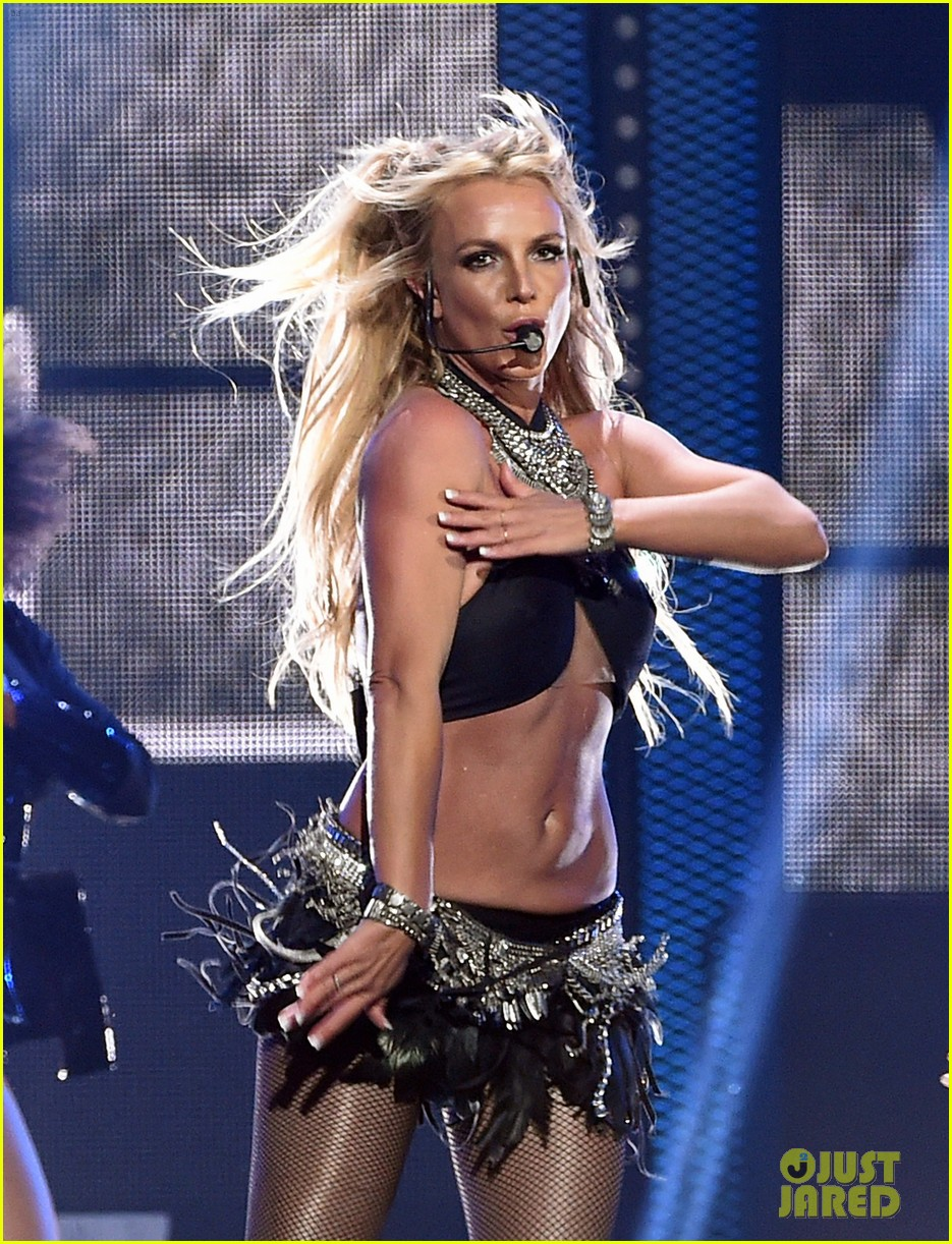 britney spears slays on stage at iheart radio music festival in vegas 063769117
