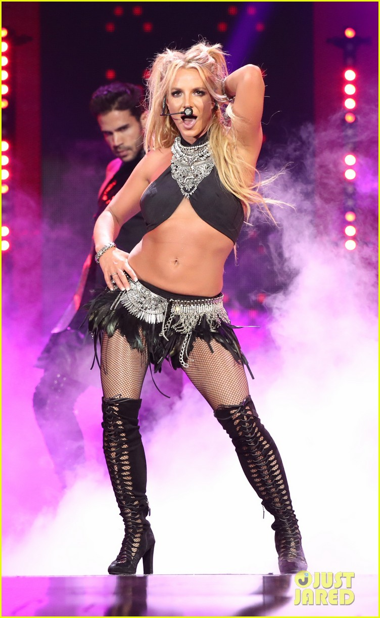britney spears slays on stage at iheart radio music festival in vegas 103769121