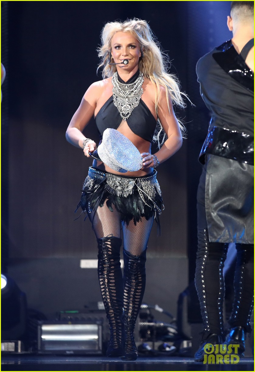 britney spears slays on stage at iheart radio music festival in vegas 113769122