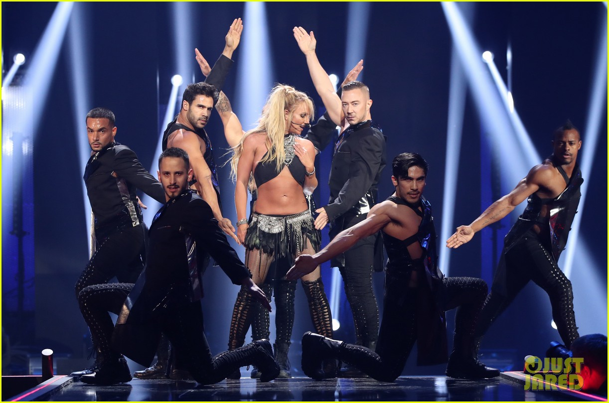 britney spears slays on stage at iheart radio music festival in vegas 183769129