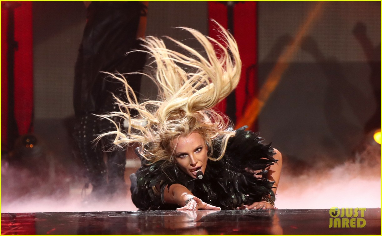 britney spears slays on stage at iheart radio music festival in vegas 283769139