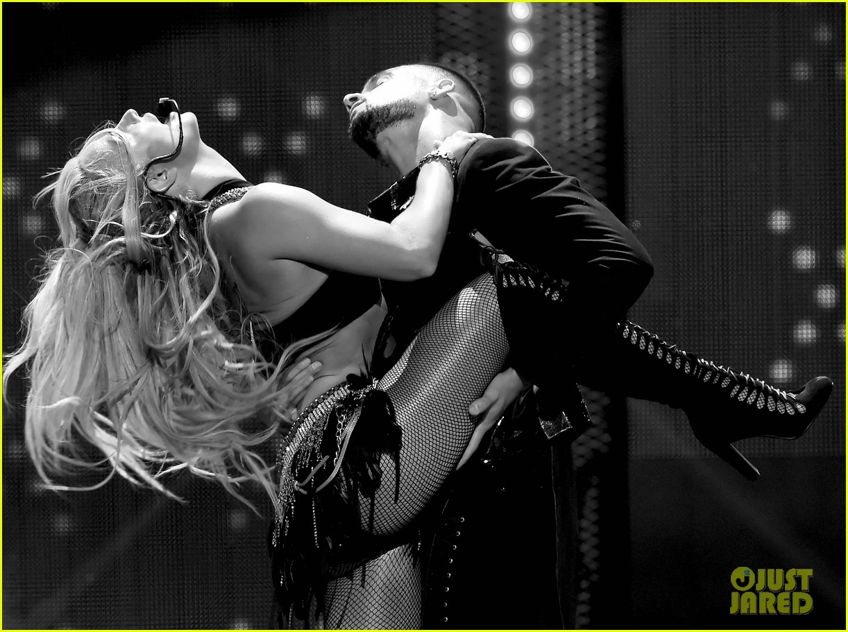 britney spears slays on stage at iheart radio music festival in vegas 323769143