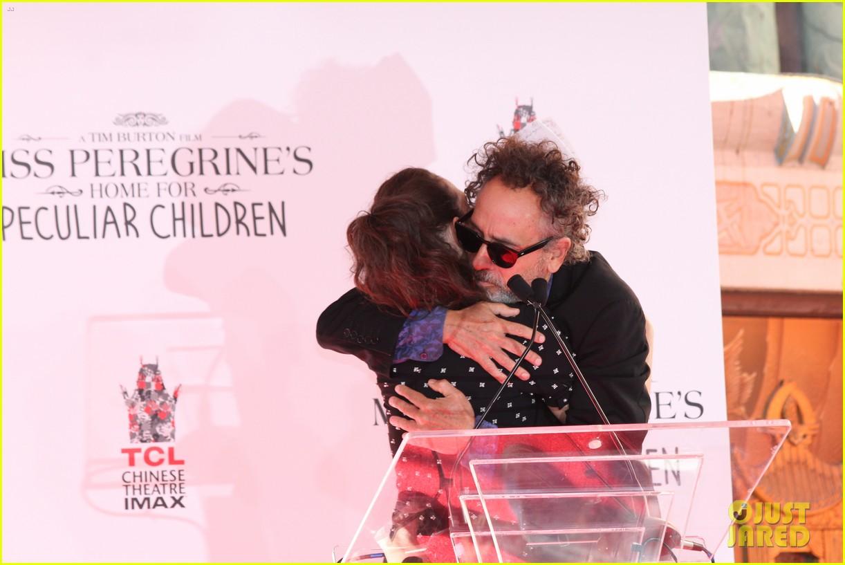 Winona Ryder Attends Tim Burton's Hand & Footprint Ceremony!: Photo