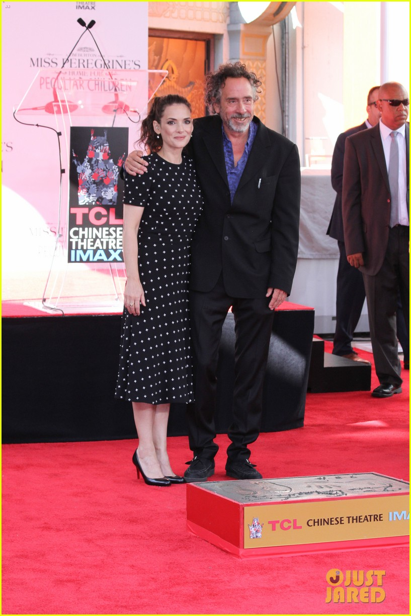 winona ryder attends tim burtons hand and footprint ceremony 133753806