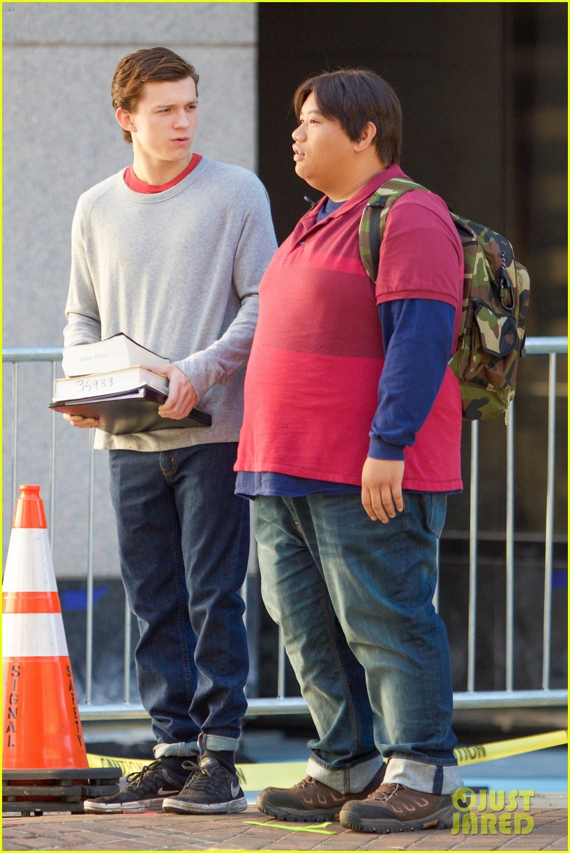 tom holland jacob batalon spiderman set 013750364