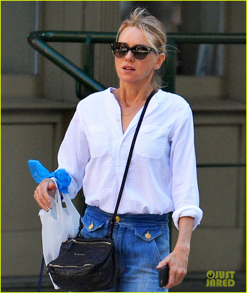 naomi watts doesnt want to leave her couch after back to back film festivals 033757983