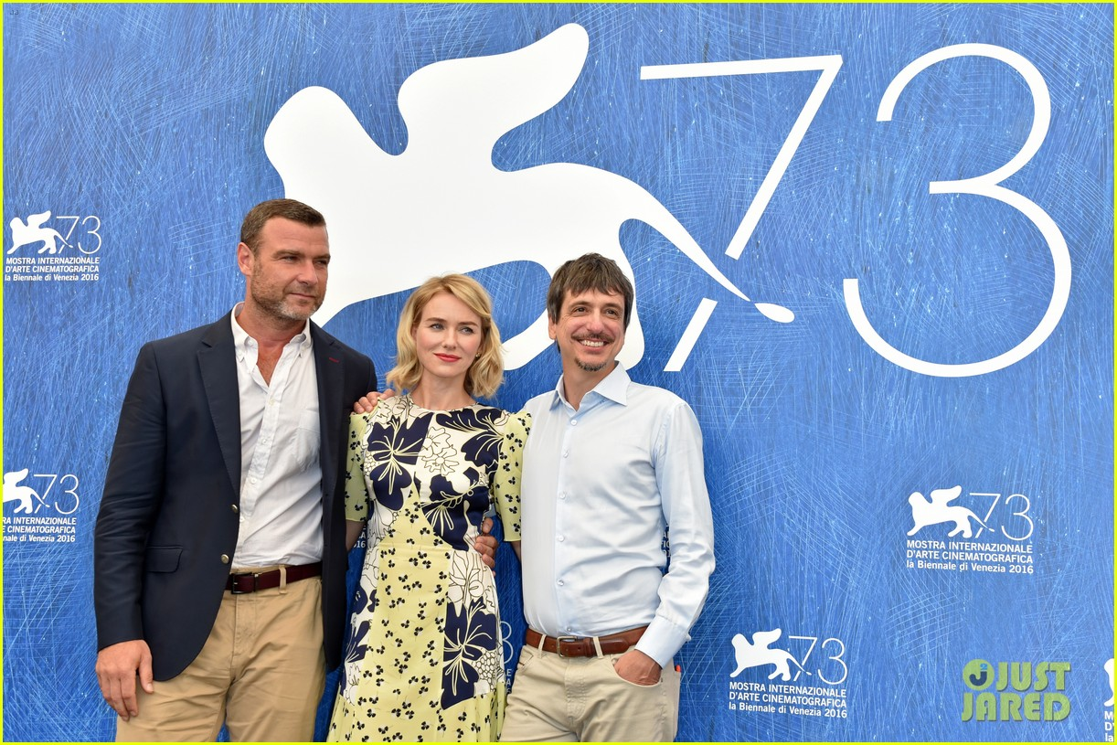 naomi watts throws it back to first venice film fest experience 093747867