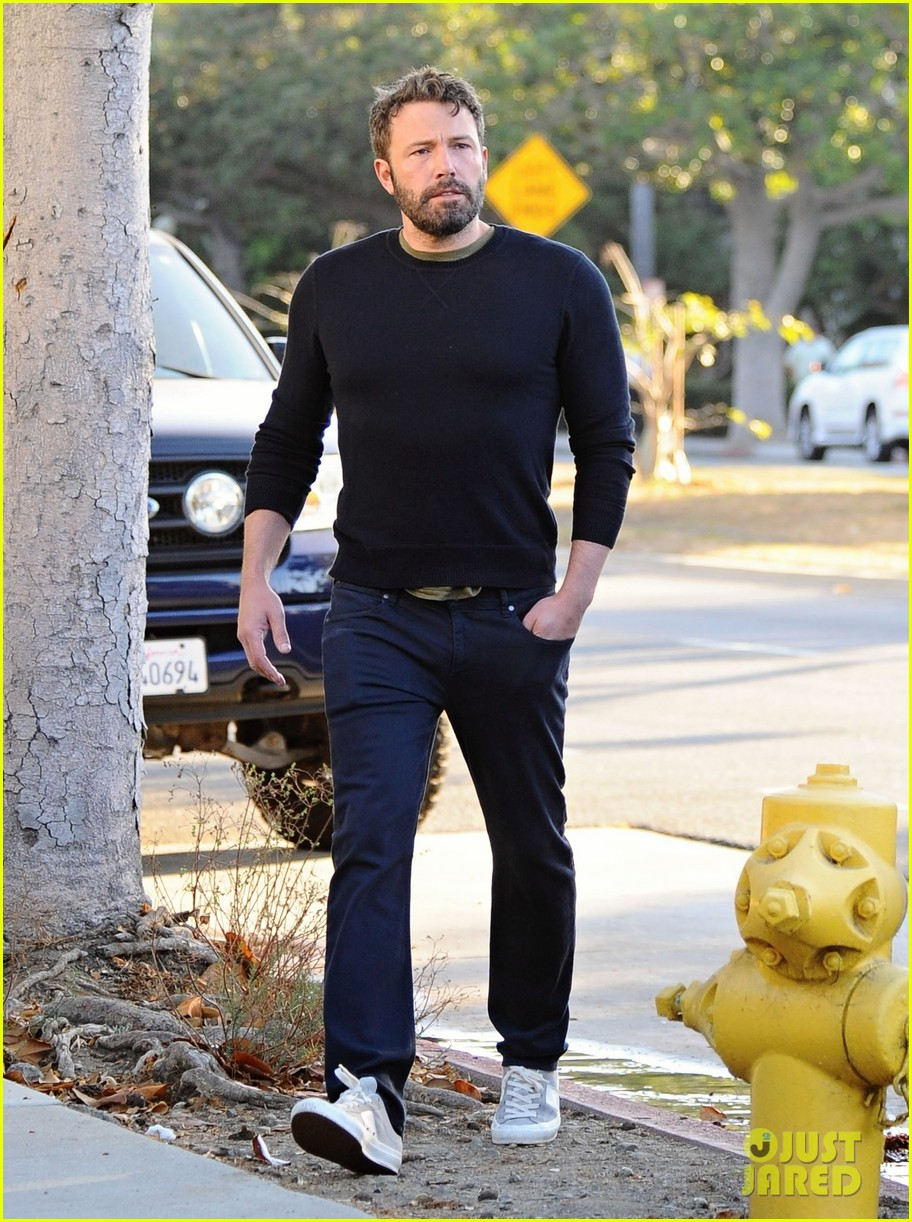 ben affleck reacts to buffalo bills beating patriots 283778442