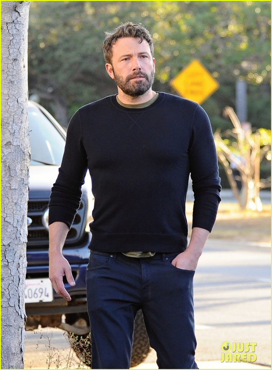 ben affleck reacts to buffalo bills beating patriots 293778443