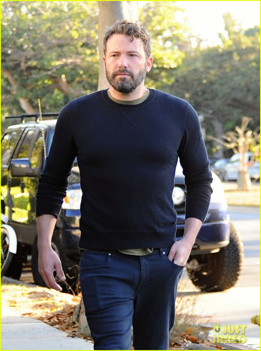ben affleck reacts to buffalo bills beating patriots 333778447