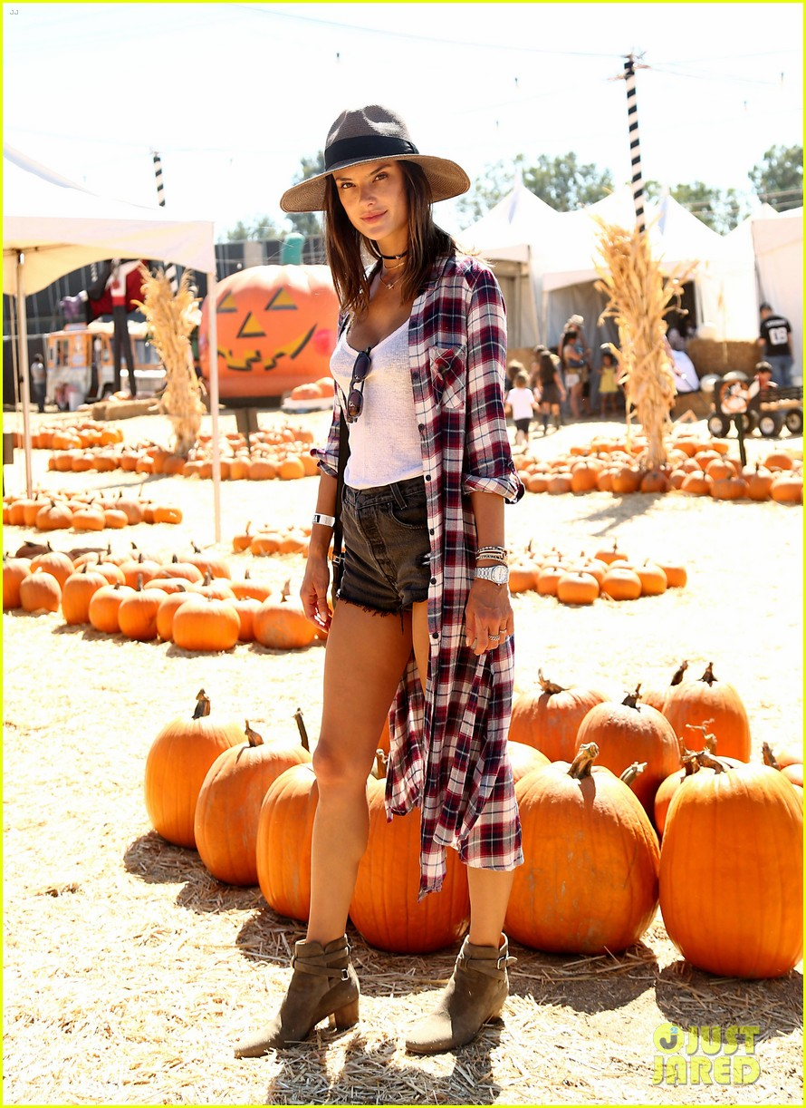alessandra ambrosio visits a pumpkin patch with her kids 113782602
