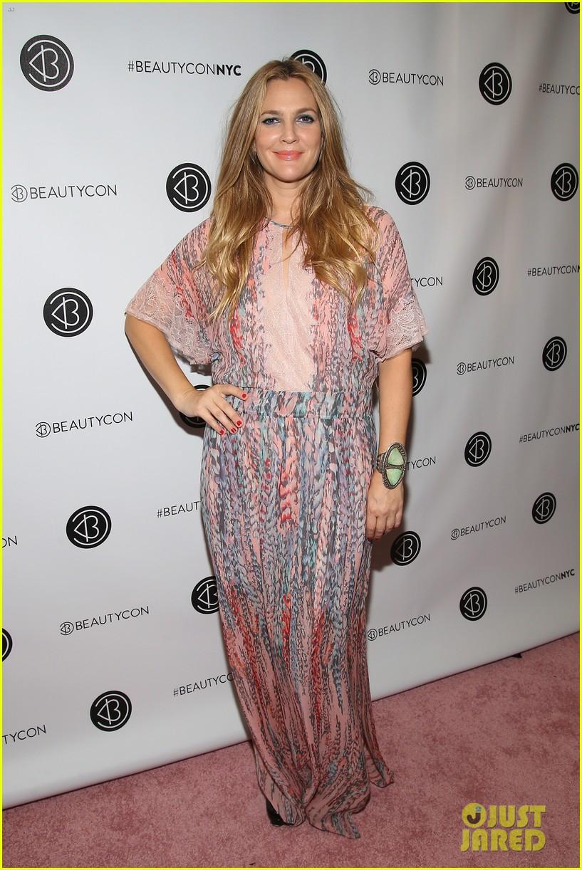 Drew Barrymore Brings Flower Beauty To Beautycon Photo 3775398