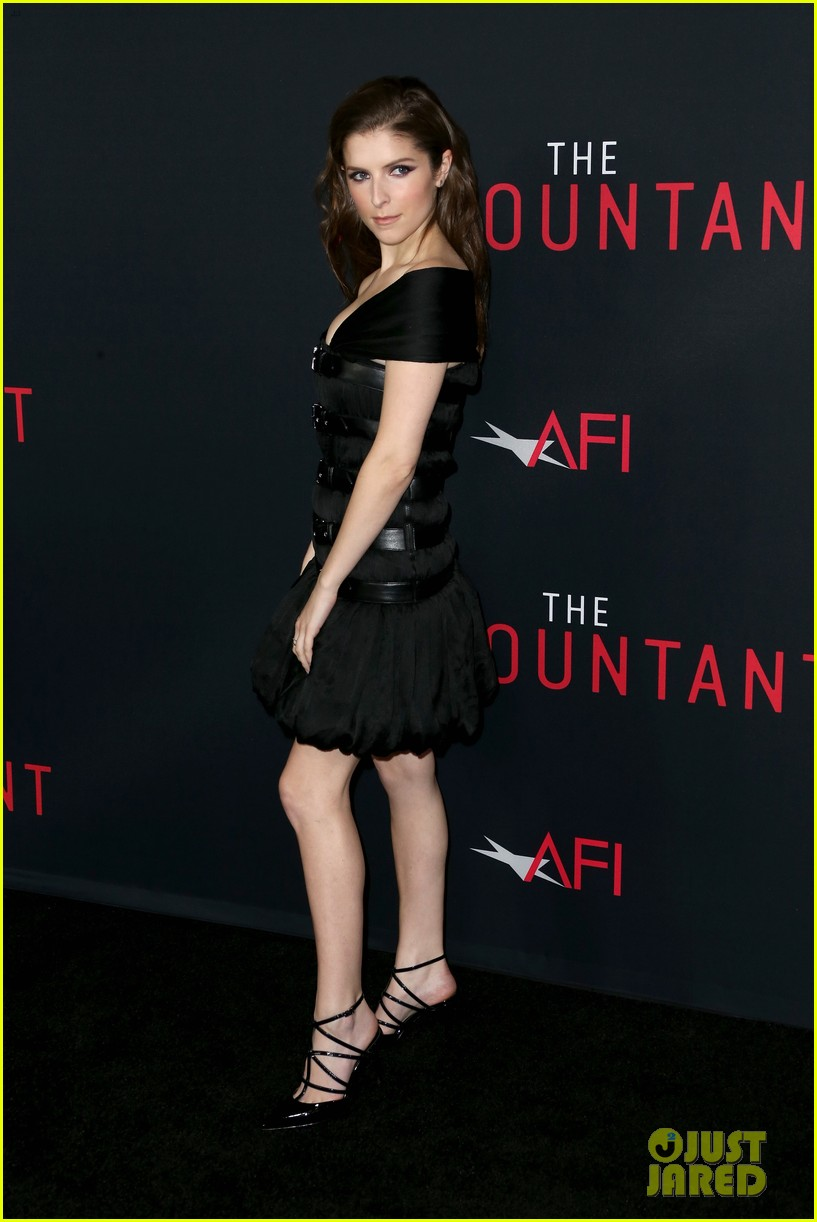 ben affleck anna kendrick premiere the accountant in la 053782725
