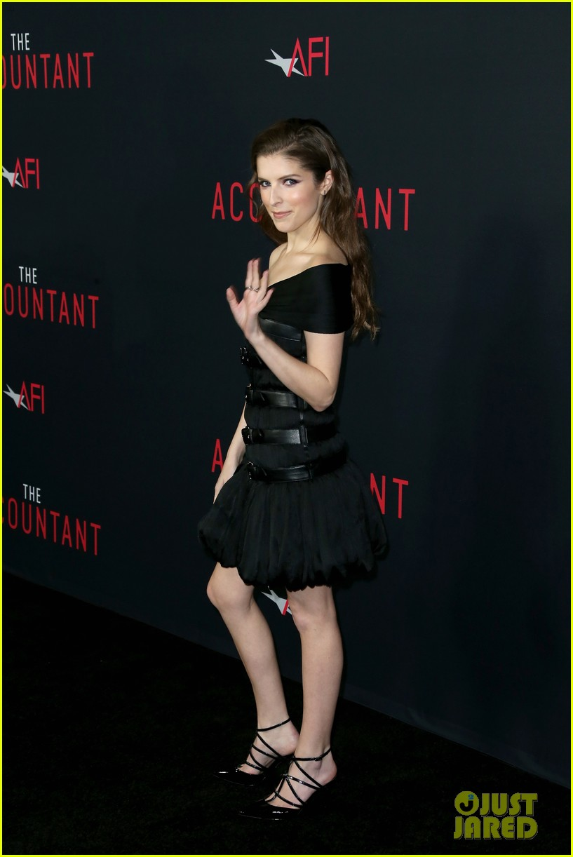 ben affleck anna kendrick premiere the accountant in la 113782731