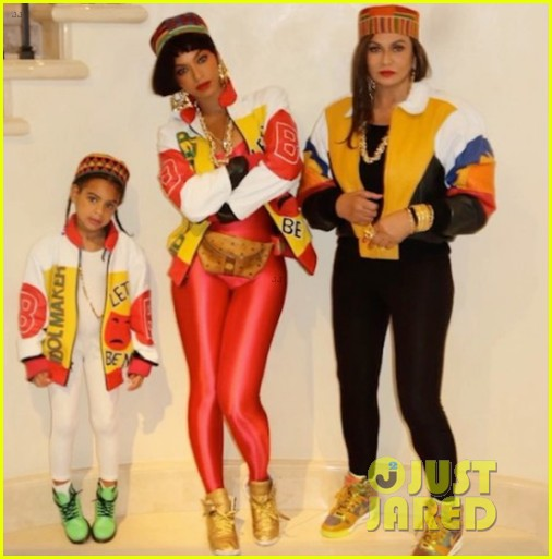 beyonce blue ivy dress up as salt n pepa for halloween 013798314