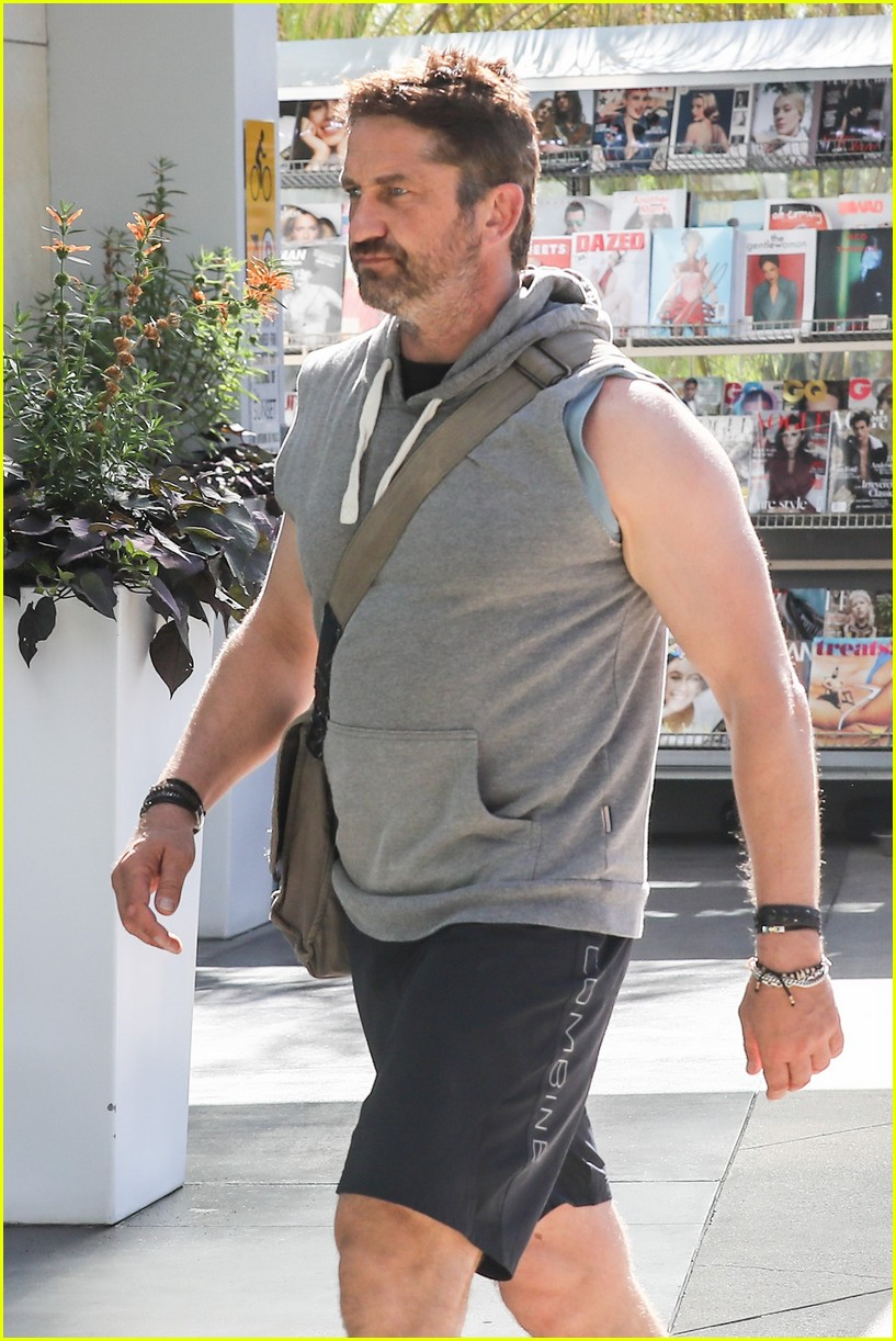 Gerard Butler Gets In Soulcycle Workout Photo 3789837 Gerard