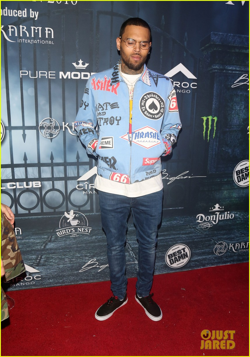 chris brown maxim 2016 halloween party 04