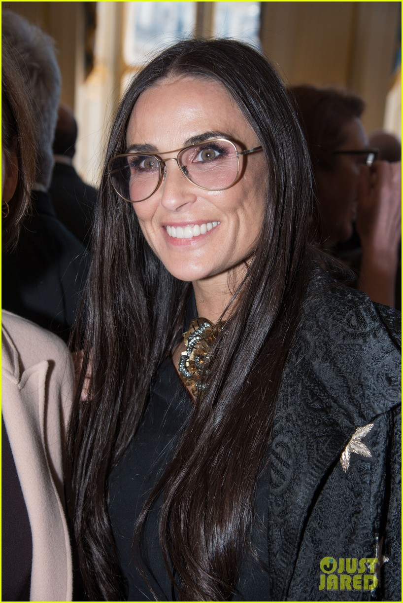 Demi Moore Supports De...