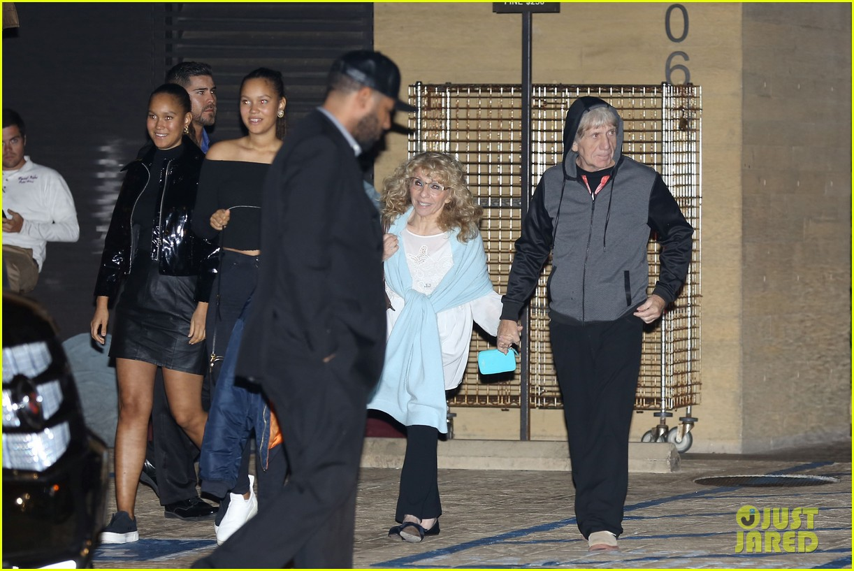 Drake Spends His Birthday at Dinner with His Mom!: Photo ...