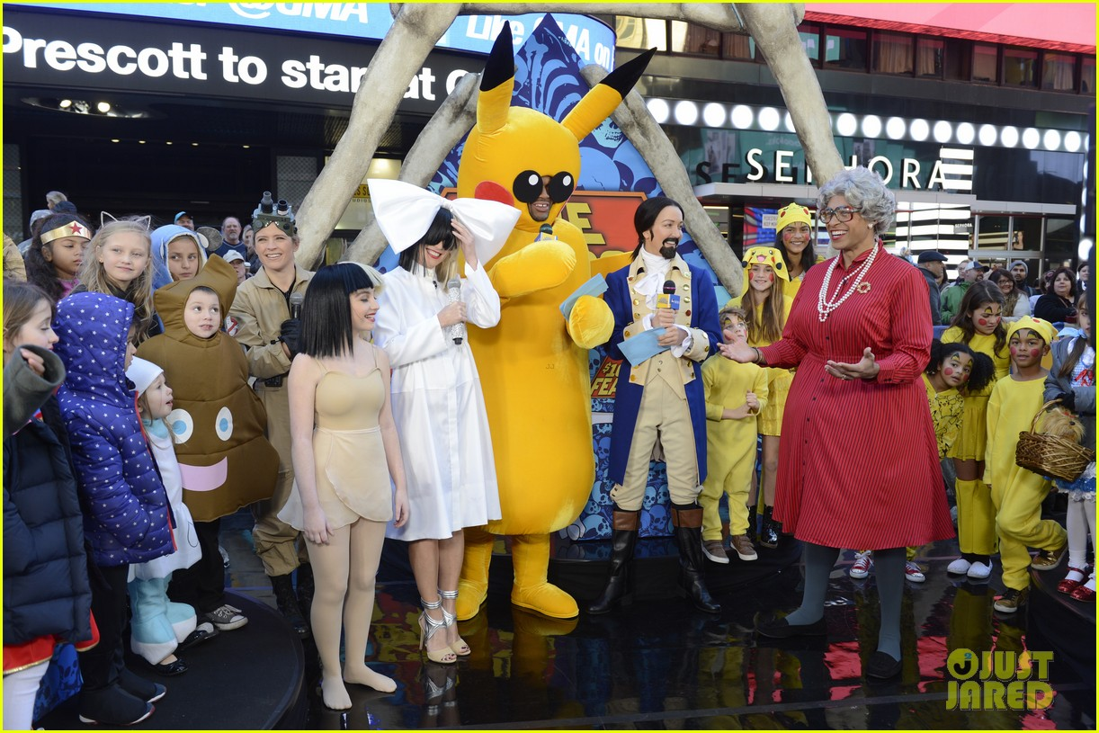gma halloween 2016 costumes 183798403  sc 1 st  Just Jared & GMAu0027s Michael Strahan Dresses as Pikachu for Halloween!: Photo ...