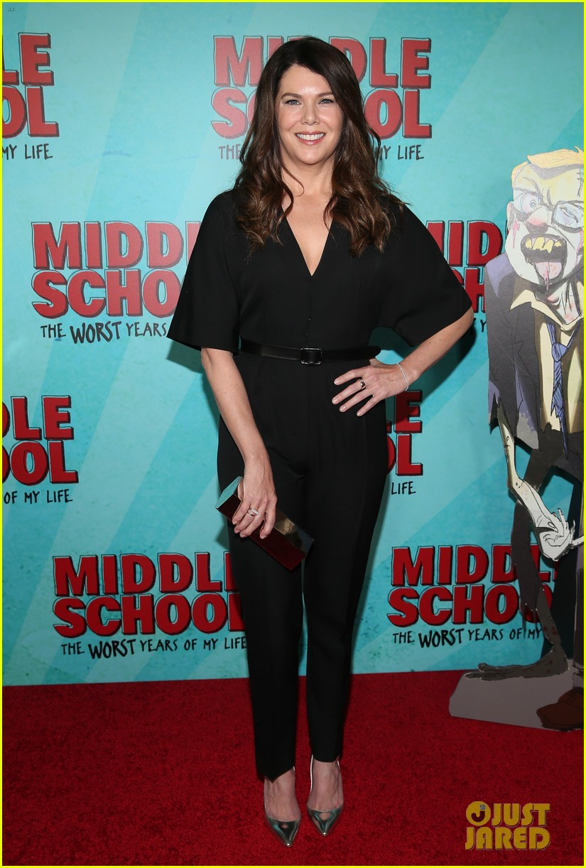 lauren graham premieres middle school the worst years of my life in nyc 063775486
