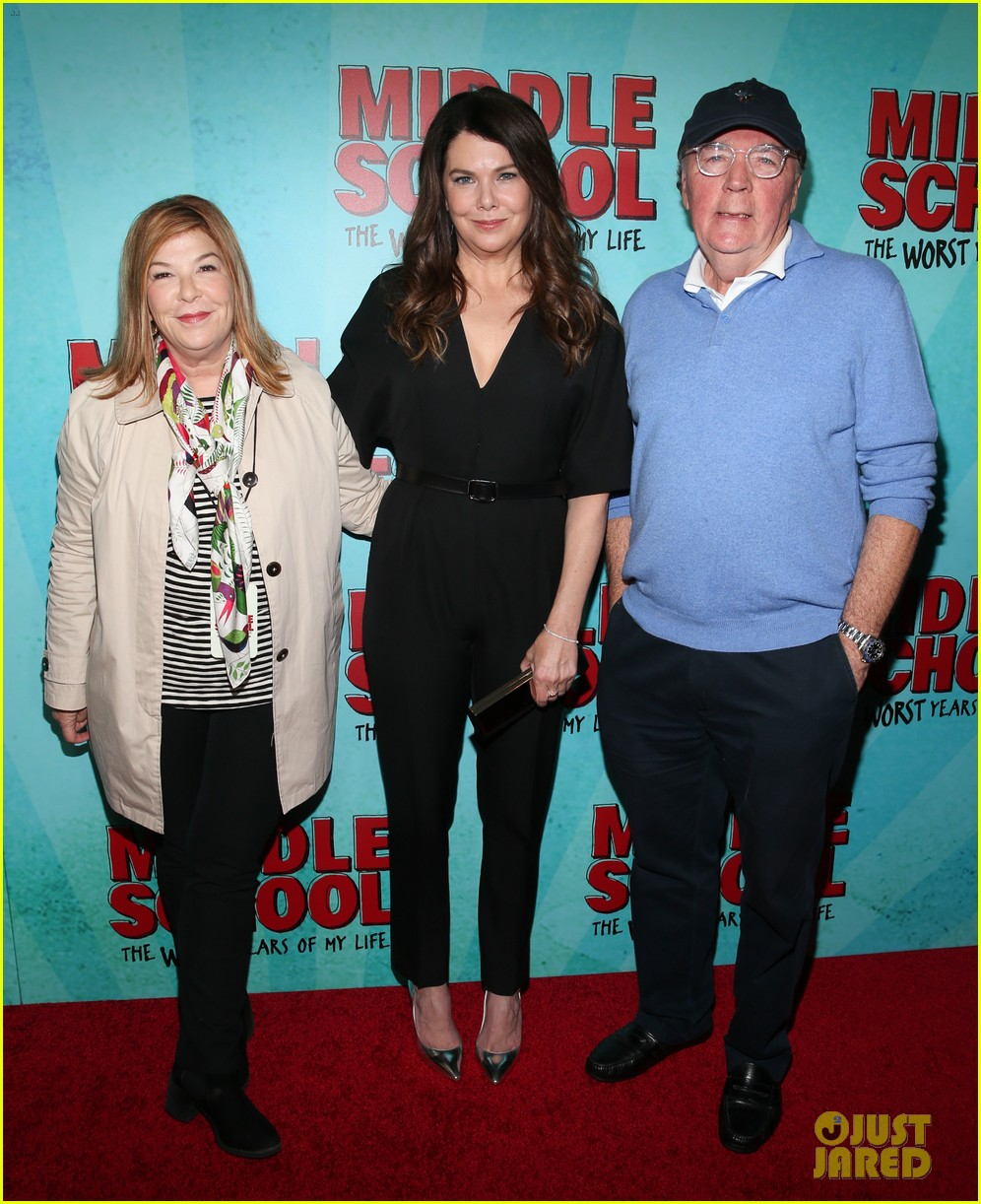 lauren graham premieres middle school the worst years of my life in nyc 113775491