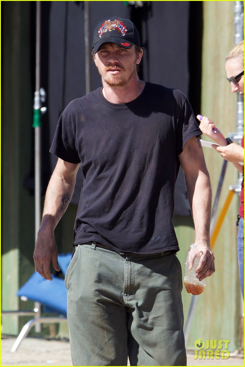 garrett hedlund gets to work on burden 023793927
