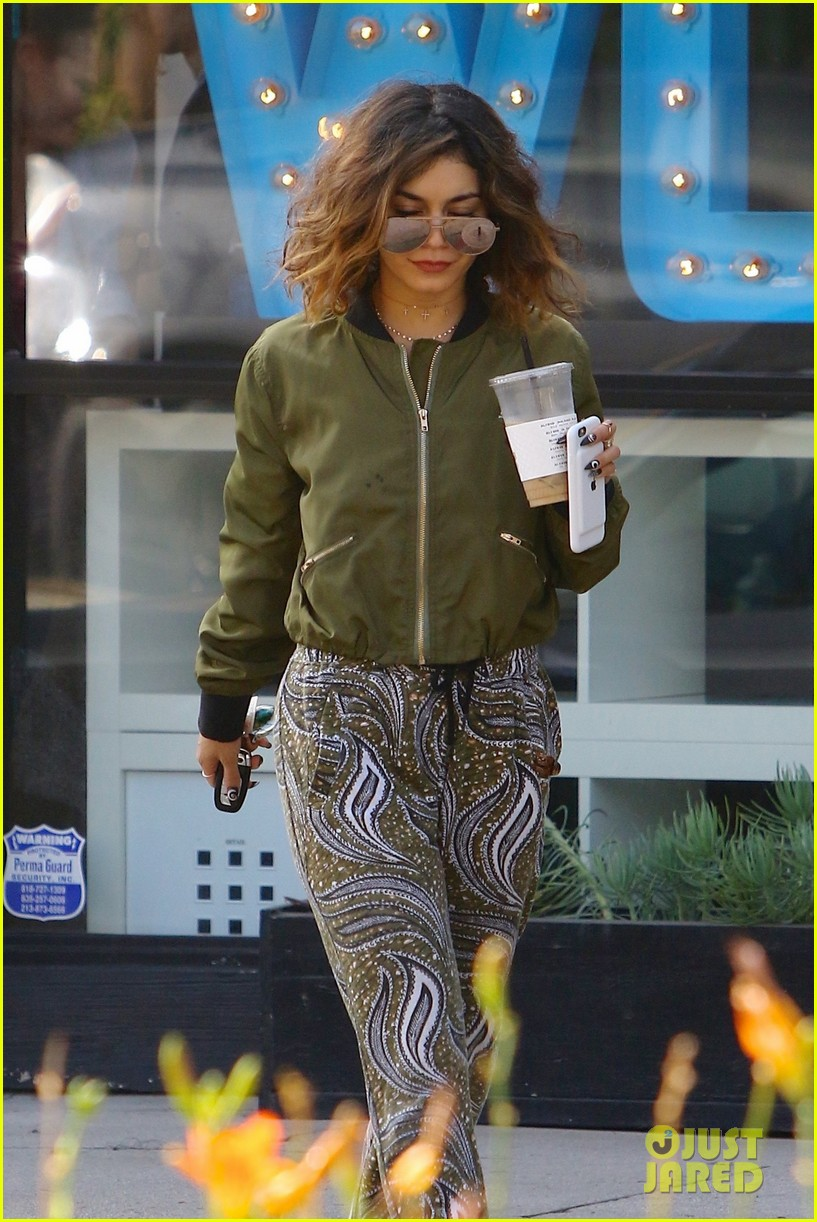 vanessa hudgens austin workout coffee halloween instagram 013786338