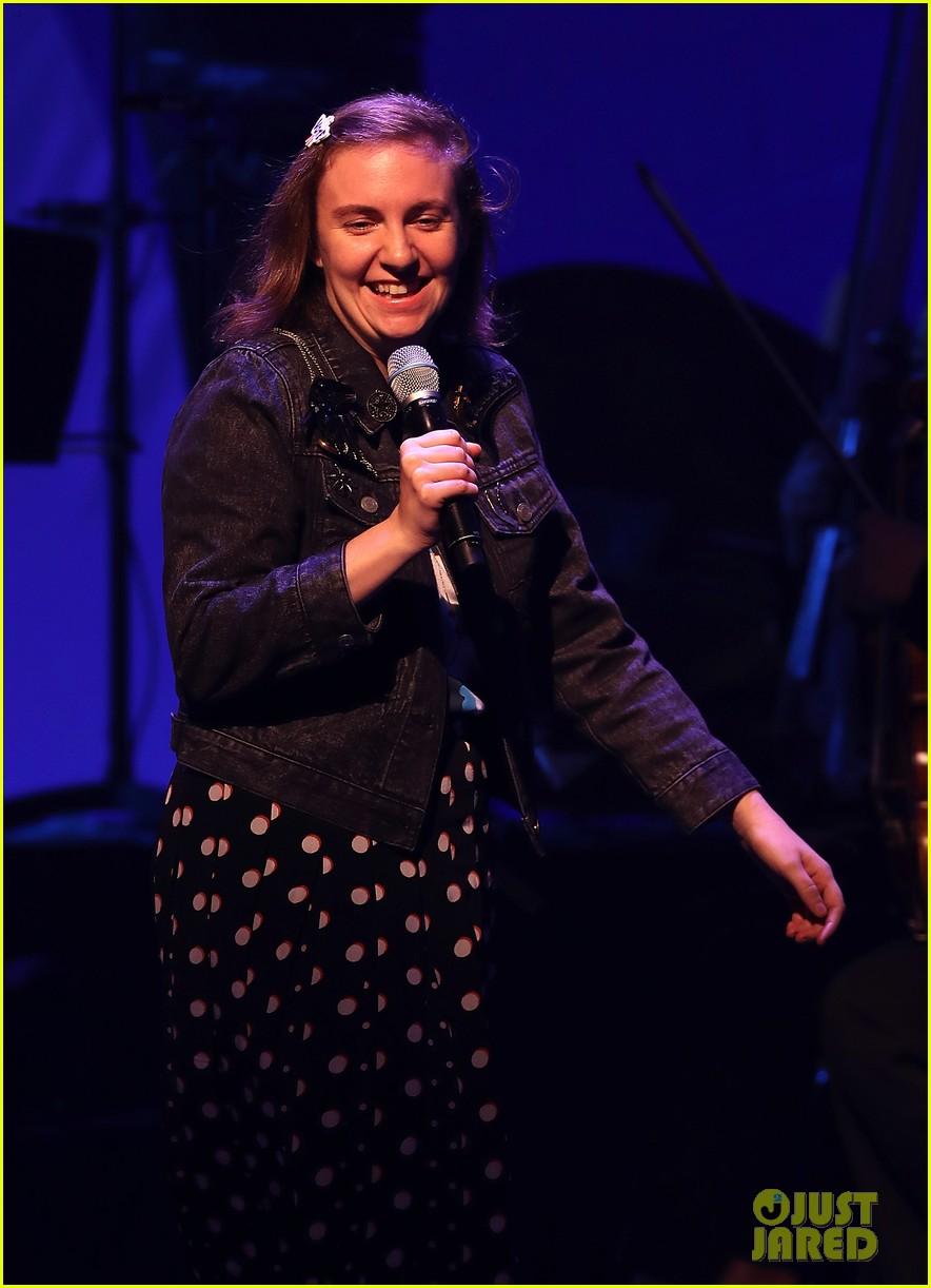 julia roberts lena dunham hillary clinton broadway fundraiser 053787604