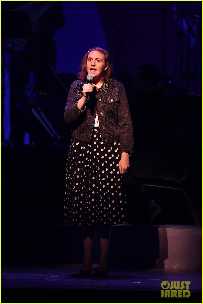 julia roberts lena dunham hillary clinton broadway fundraiser 093787608