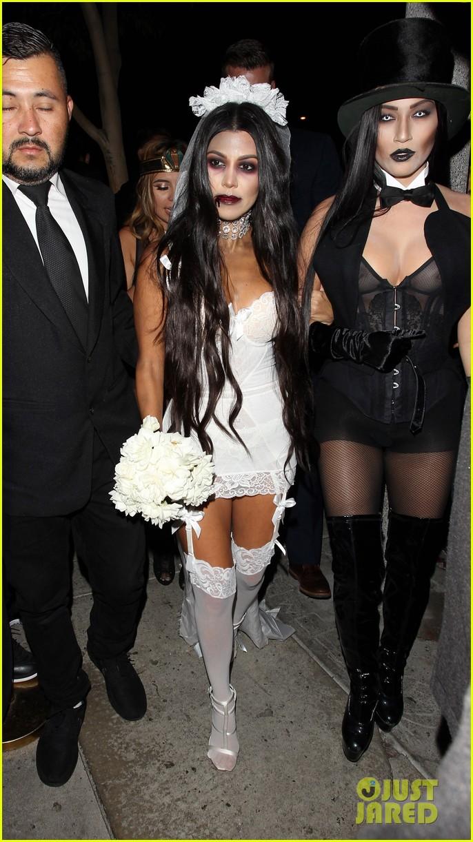 Kourtney Kardashian Amp Scott Disick Dress Up For Halloween