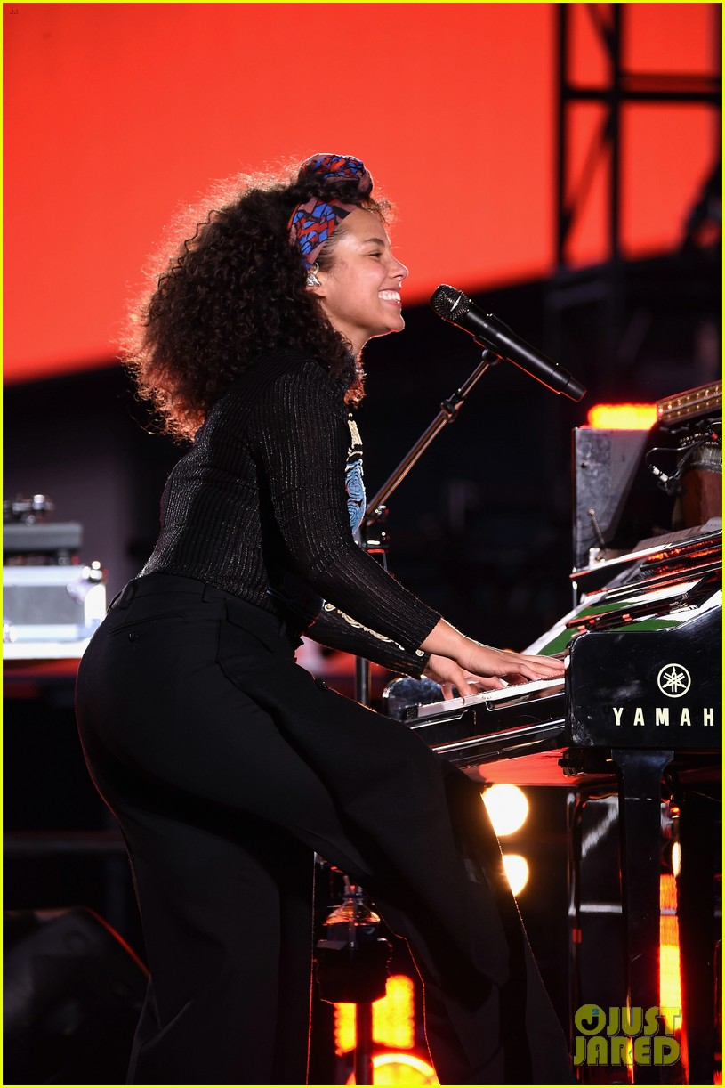 alicia keys empire state of mind piano