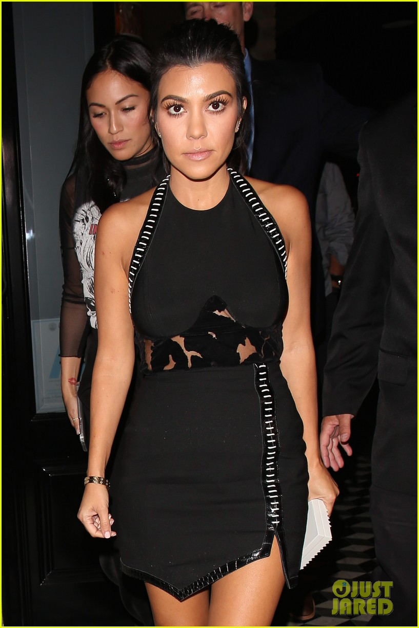 kourtney kardashian kris jenner manuka party 053789477