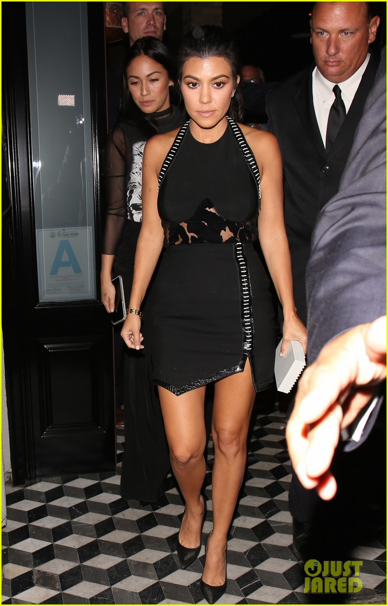 kourtney kardashian kris jenner manuka party 083789480