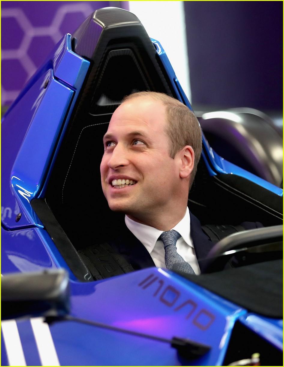 kate middleton prince william visit manchester 023785799