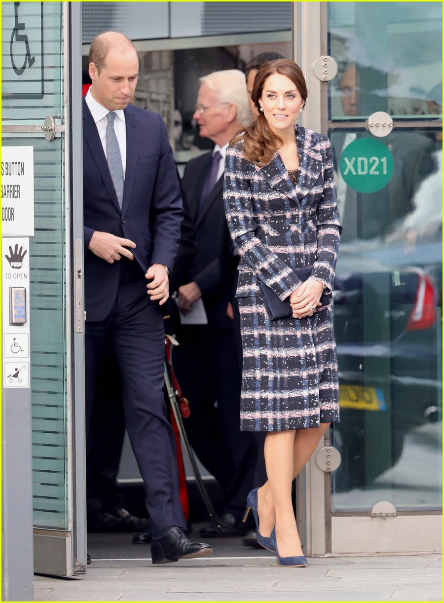 kate middleton prince william visit manchester 043785801