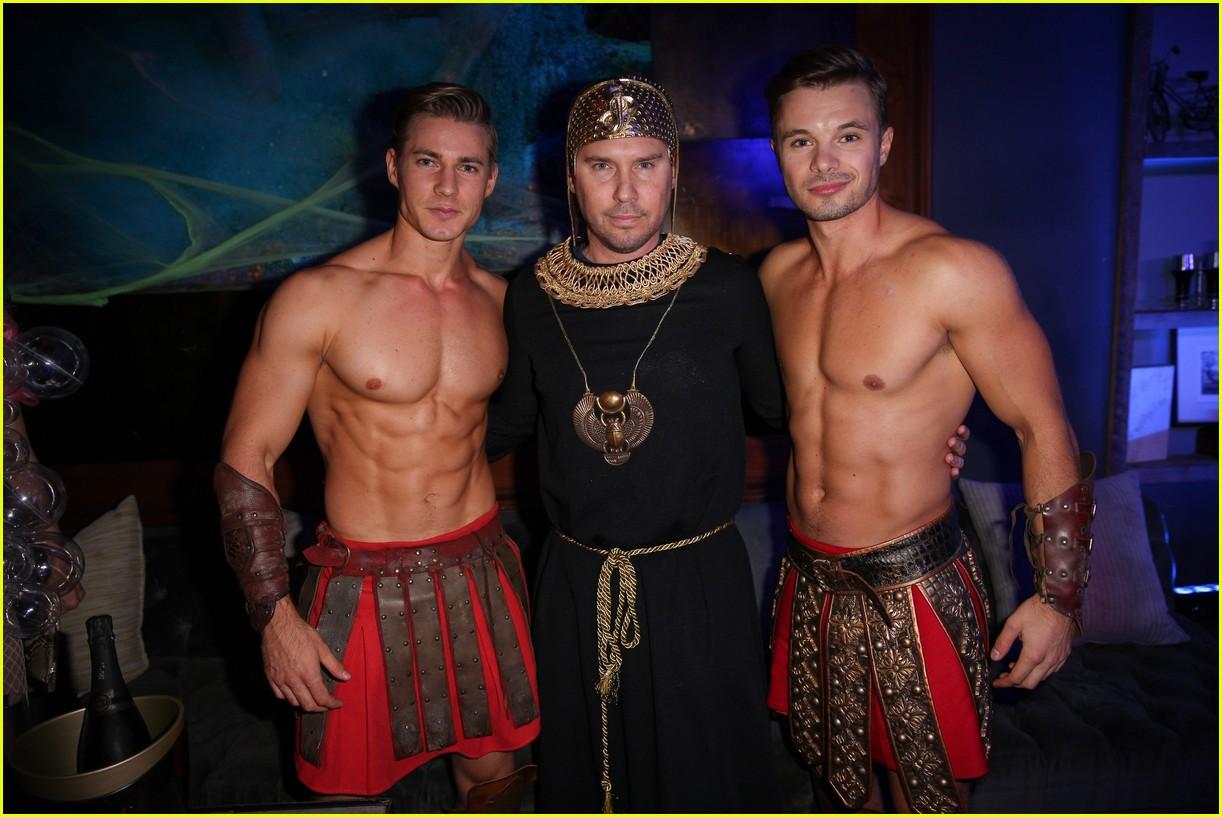 Nina Dobrev & Taylor Lautner Both Dress as Ryan Lochte for Matthew ...