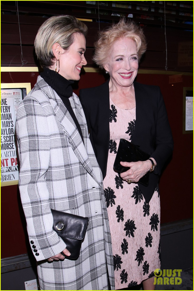 sarah paulson supports girlfriend holland taylor at the front page broadway 053790393