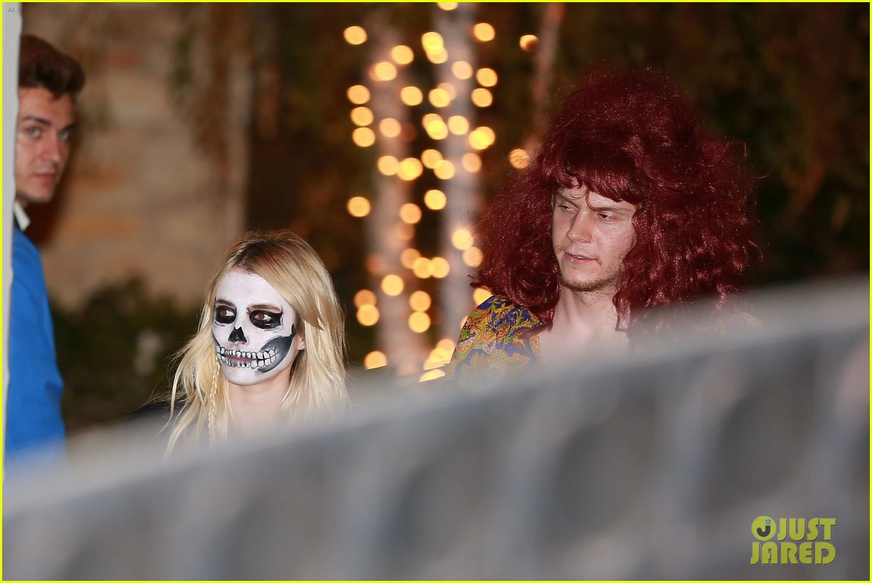 Evan Peters Dresses As Pregnant Woman For Halloween Alongside Emma Roberts Photo 3796926 2016 Halloween Emma Roberts Evan Peters Pictures Just Jared
