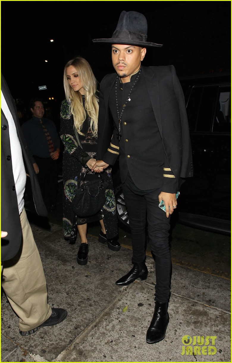 ashlee simpson hubby evan ross celebrate her 32nd birthday00205mytext3781078